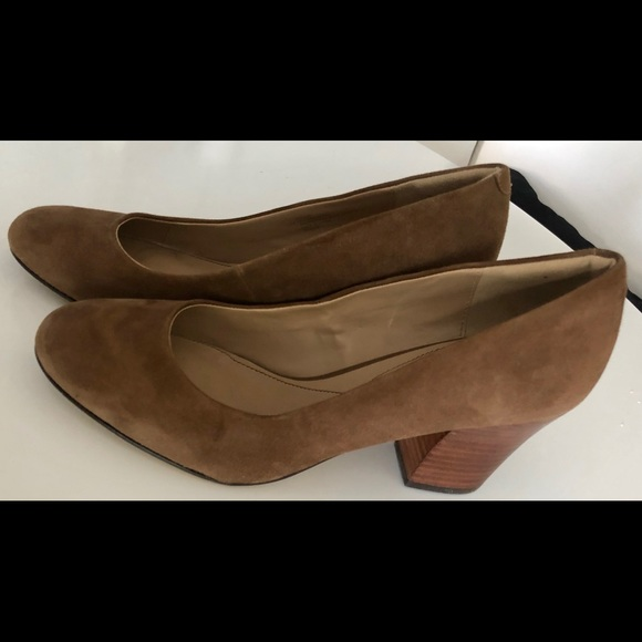 43c1afd6ffbe  FINAL PRICE  Isola Emmalee Suede Pump -Sz 10